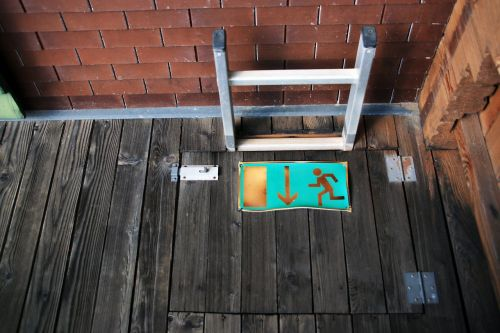 emergency staircase exit scale