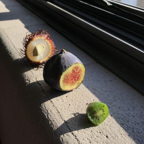 exotic fruit fig kiwi