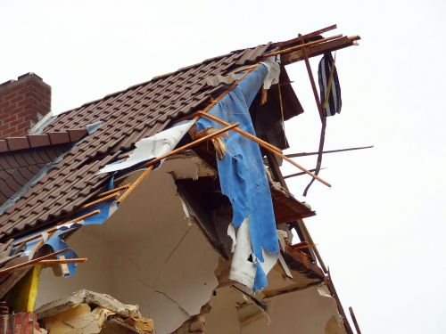 explosion residence bomb
