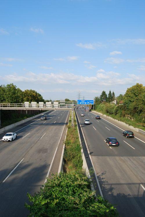 expressway highway roadway