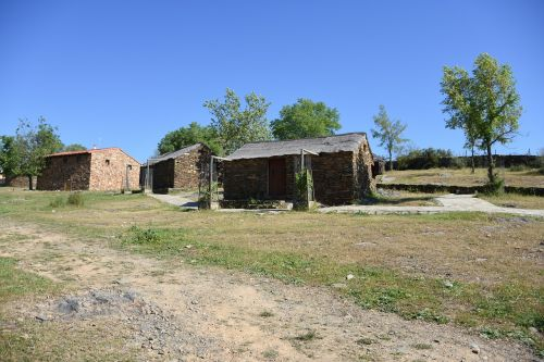 extremadura monfragüe huts typical