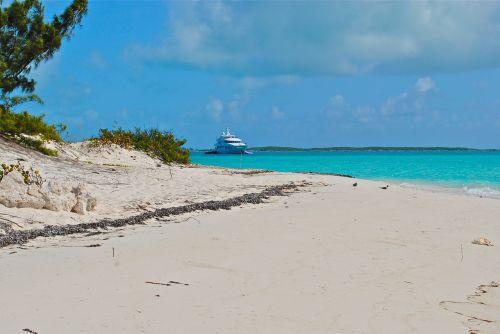 exumas bahamas megayacht