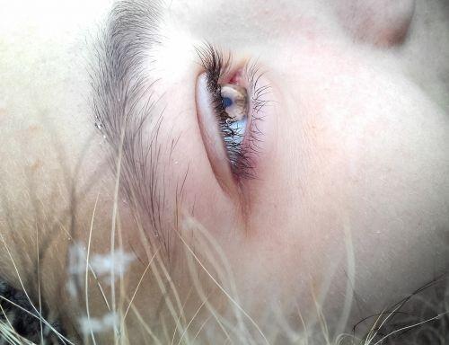 eye brow cheek