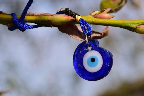 eye lucky charm symbol