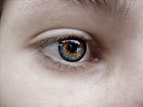 eye sister blue