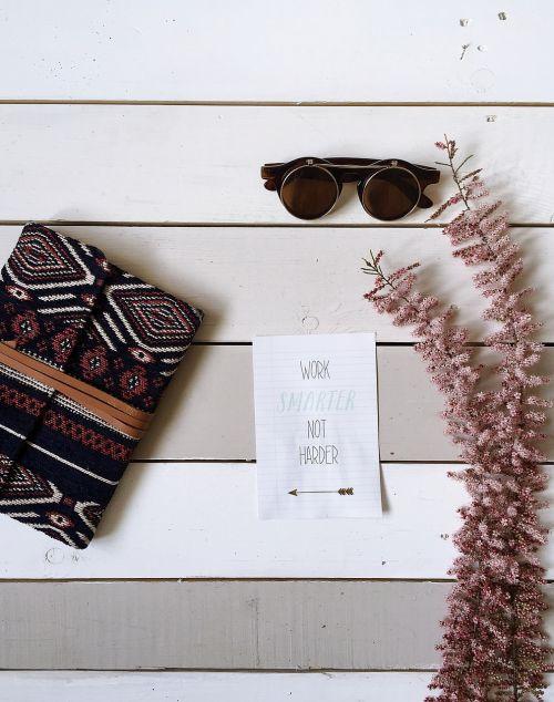 eyeglasses wallet flower