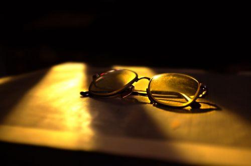 eyeglasses sunlight shadows