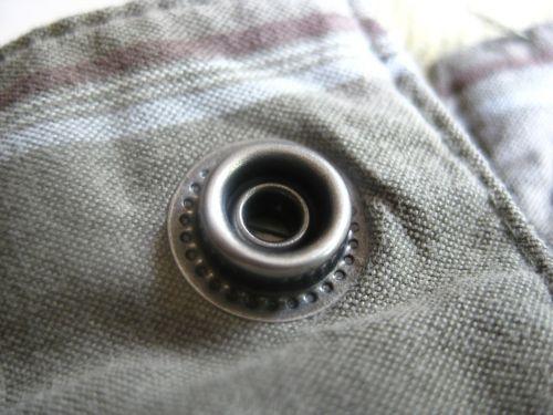 eyelet rivet push button