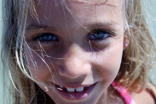 eyes blue image