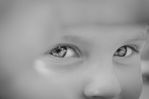 eyes child look