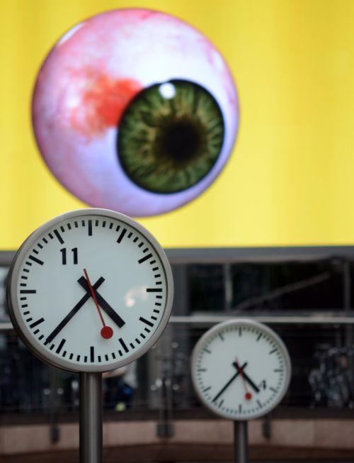 Eyes And Clocks