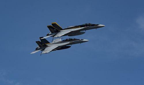 f a-18e super hornet f a-18f super hornet aircraft carrier