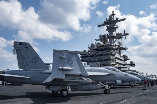 f a-18e super hornet usn aircraft carrier