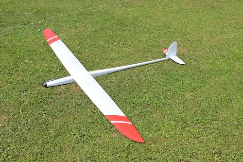 f5b  model flight  meadow