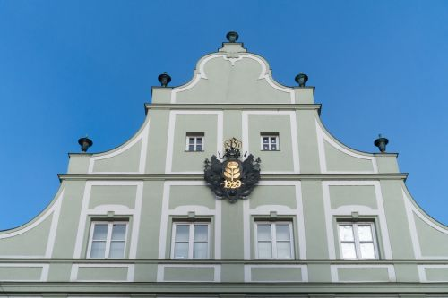 facade gable building
