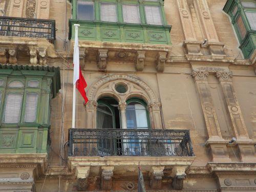 facade home window