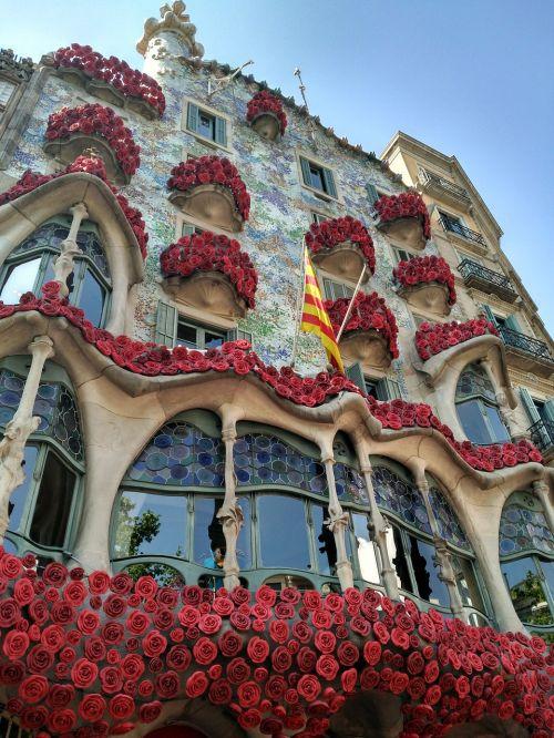 facade building construction