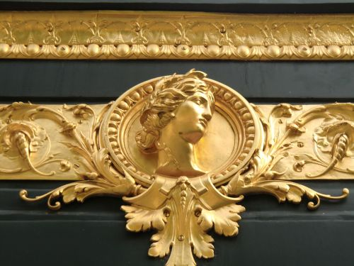 facade gilded head