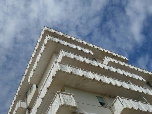 facade concrete sky