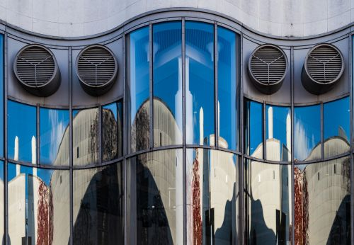 facade mirroring glass
