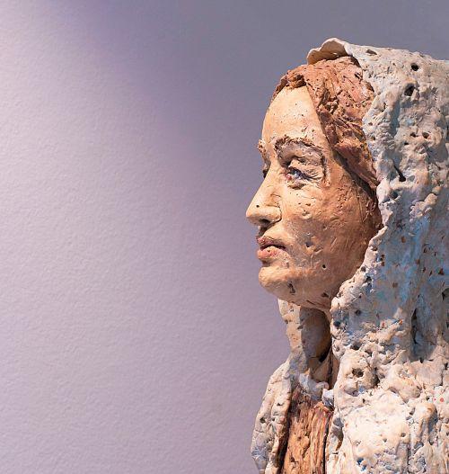 face woman statue