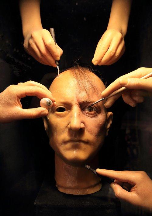face  eye  hand