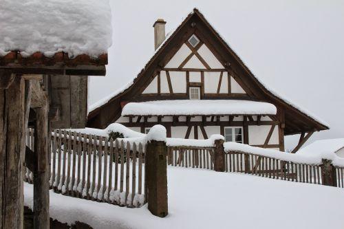 fachwerkhaus snow snowy