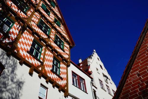 fachwerkhaus truss red white