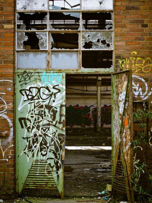 factory lapsed ruin