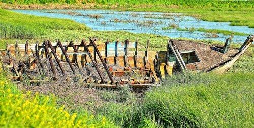 failed boat  wreck  shore