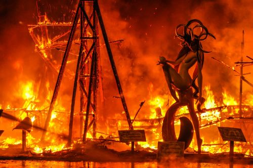 nesėkmių,Ugnis,demonas,nudegimai,naktis,deginimas,liepsnos,alicante,jis duoda,grietinėlė,mediena,kartonas,ninot,laužas