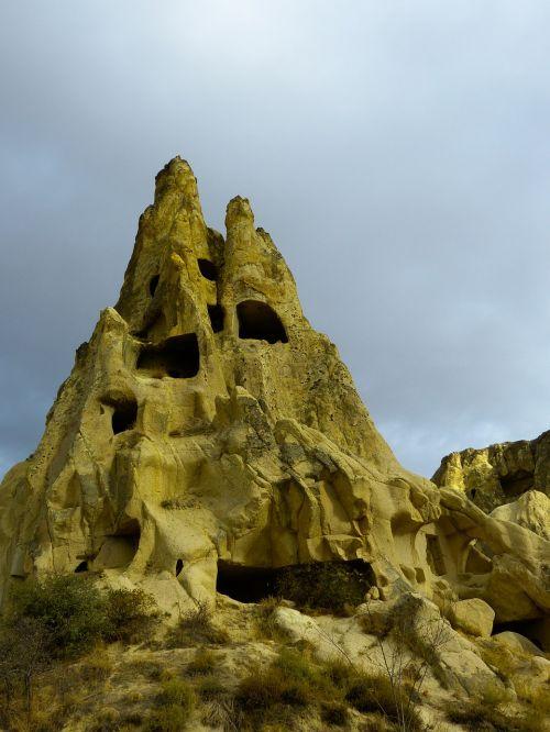 fairy chimneys uchisar fairy towers