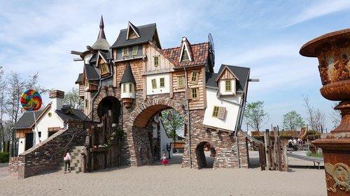 fairy tale  snoephuis  play park