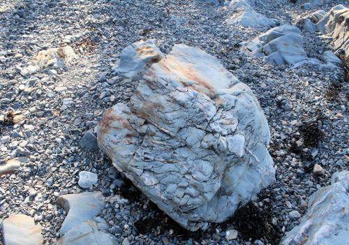 Fallen Boulder Rock