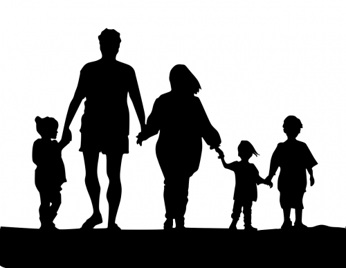 family casal parents and children