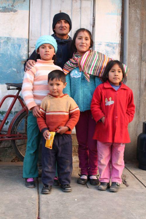 family sierra peru