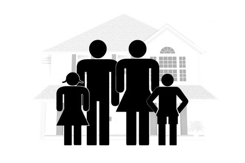 family,father,mother,child,girl,home,roof,at home,security,protection,unit,family posing,family members,constellation,perception,relationship,psychotherapy,psychology,group