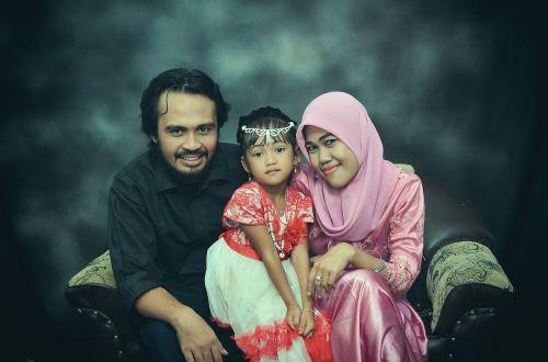 family indonesian indonesian women