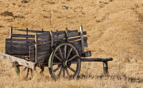 farm wagon field