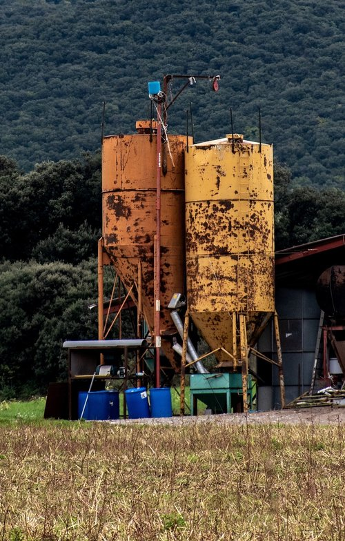 farm  silos  farm equipment