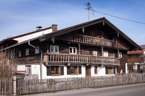 farmhouse old 16th century