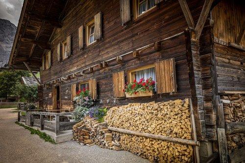 farmhouse  woodhouse  mountains