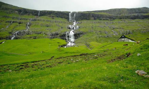 faroes cascades pastures