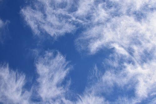 fascinating wispy clouds cloudscape skyscape