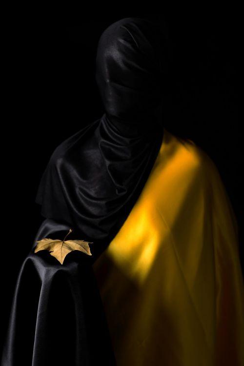 fashion art yellow