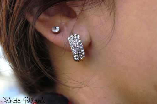 fashion earrings woman