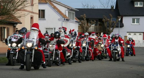 father christmas motorcycles bikers