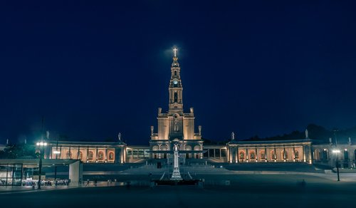 fatima  sanctuary  portugal