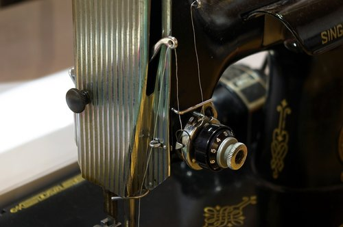 featherweight threaded  sewing  machine