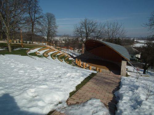 february snow silence